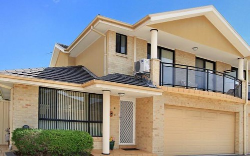 4/28-30 Russell Street, Balgownie NSW