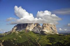 Luoghi e colori delle Dolomiti #23 (Celeste Messina) Tags: mountain hat clouds landscape nuvole montagna paesaggio dolomiti cappello sassopiatto valdifassa sassolungo celestemessina