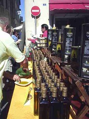 mot-2006-remoulins-pic_0036_st-remy-market-pesto-stall_450x600
