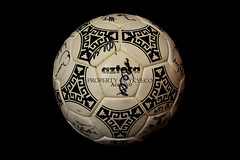 TANGO AZTECA ACAPULCO FIFA OFFICIAL 1986 ADIDAS MATCH BALL SIGNED BY GERMAN TEAM 01 (ykyeco) Tags: by ball football official team fussball top fifa soccer ballon tango german acapulco match bola adidas 1986 pelota signed palla balon pallone pilka azteca  omb  matchball spielball