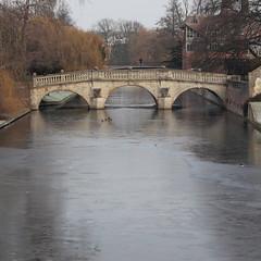 Frozen 3/3 (Sir Cam) Tags: cambridge cambridgeuniversity clarecollege bridge rivercam frozen camdiary winter sircam ice