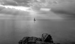 ... contemplacin ... (franma65) Tags: calallevad costabrava mediterraneo mar girona