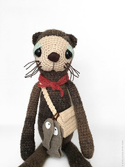 Max the otter (eveluche) Tags: otter amigurumi plush plushie peluche loutre crochet knitting knit yarn brown fish bag whiskers pêche poisson etsy handmade softie creature soft animal