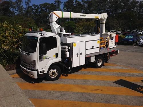 Energex | Isuzu Overhead Powerline truck