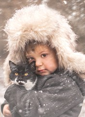 Igor & Luna (Jagoda 1410) Tags: winter snow outdoor childrensphotography childhood childandpet cat kitten boy togetherness friendship friends