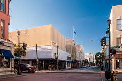 Thanksgiving in Charleston 2016-10 (King_of_Games) Tags: charleston chs southcarolina sc downtown kingstreet kingst vineyardvines