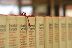 Brecht (DaLi-A) Tags: sachsen saxony chemnitz tiez bibliothek library bcher book brecht pentax k30 50mm pentaxlife