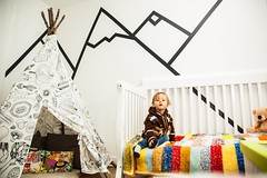 (Paul Mackay Photographie) Tags: child enfant room chambre tipi colors montain montagne coussin toutou nikon d70s flash sb26 sb600