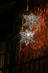 Estrellas de colores / Colorful stars (Hesanz photography.) Tags: light house luz lamp colors mxico night canon eos star noche casa balcony colores sanmigueldeallende guanajuato estrella balcn lmparas 70d