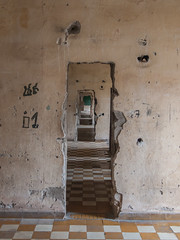 Tuol Sleng (rapriha) Tags: museum cambodia phnompenh genocide