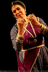 A dramatic composition with rhythmic words (SagarDani) Tags: india dance maharashtra jaipur pune marathi indianclassicaldance lasya kathak choreographer tandava indianculture jaipurgharana canonefs55250mmf456is shambhavivaze canon550d maneeshanrityalaya manishasathe shambhavidandekar nrityaalankar