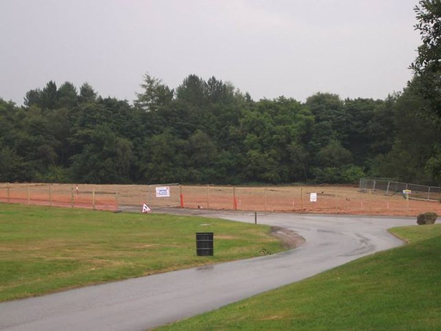 01/08/2014 - Fencing is now around the whole site.