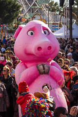 Nice Carnival 2014 (NykO18) Tags: people france animal mammal person pig nice europe crowd paca transportation manmade vehicle ferriswheel swine spectators nizza alpesmaritimes carnivalfloat carnavaldenice provencealpescôtedazur nicecarnival placemasséna maïtéfloat