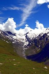 Gletscher (kaaasch) Tags: blue green clouds landscape nikon hiking wiese wolken bach grn 1855 blau nikkor gletscher landschaft wandern tztal tal specland d5100