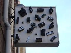 het fotoatelier (indigo_jones) Tags: camera old holland window netherlands sign analog digital utrecht foto display kunst nederland hobby signage winkel raam fotoatelier nieuwestraat