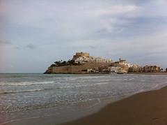 Spanien (rckem) Tags: ocean sea castle beach strand spain meer castello spanien burg espania felsen wellen peiscola katalonien peniscola mittelmeer papaluna burgfelsen burgfels