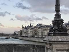 La Conciergerie. (PaoDeAucar) Tags: paris france love seine amor frana amour francia sena
