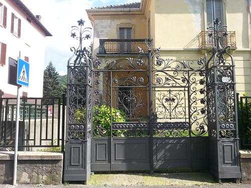 Cancello in ferro battuto, Via Milano 19 - a photo on Flickriver