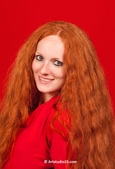 Rood-op-Rood_Redhead_0397x (Dutch Design Photography) Tags: red portrait face hair ginger foto fotografie photoshoot curls redhead freckles straight huis breda portret rood voor lang gezicht kort haar fotograaf reigerstraat krullen sproeten gead roodharigendag roodharige redheadday beeldcultuur redheaddays