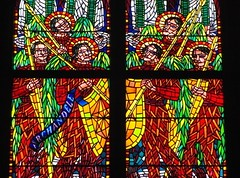 (Joan Pau Inarejos) Tags: verde azul rojo prague prag praha medieval colores amarillo contraste bohemia vidrieras vidriera vitral vivos gtico repblicacheca primarios chequia esko eskrepublika vitrales estandartes txquia repblicatxeca interiorpraga