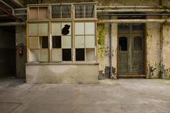 Produktionshalle (Industrieller) Tags: old abandoned lost factory fabrik ruine urbanexploration rotten verlassen urbex verfall lostplace leerstehend