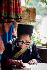 Hmong woman, Sa Pa, Vietnam (jarimakila) Tags: vietnam hmong sapa locai vn pentaxart