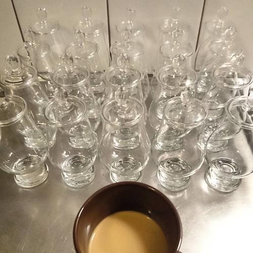 #whisky provning hemma hos mig i kväll med #vellingewhiskyklubb  Förberedelser och en kopp #kaffe.