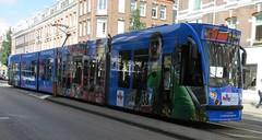 Amsterdam De Pijp Van Woustraat Combino 2085 Amsterdam Marathon (GeRiviera) Tags: amsterdam netherlands nederland dutch zuid gemeentevervoerbedrijf gvb noordholland tram trasportopubblico tranvia tramvaj tramvia transportspublicspayants combino de pijp van woustraat lijn4 marathon 2085