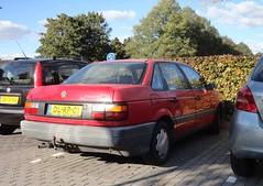 VW Passat B3 1.8 CL 2-1-1992  DL-RP-01 (Fuego 81) Tags: volkswagen vw passat b3 1992 dlrp01 onk sidecode5 26tvrg