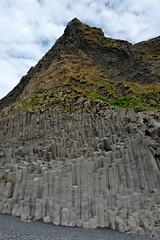 Чёрный пляж и базальтовые колонны. Рейнисфьяра, Исландия (varfolomeev) Tags: 2016 исландия море горы iceland sea mountains fujifilmxt10