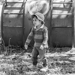 Caracol (Alvimann) Tags: kid kids niño niños toddlerboy toddler valentino