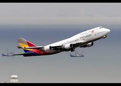 Boeing | 747-48E/M | Asiana Airlines | HL7423 | Hong Kong | HKG | VHHH (Christian Junker | Photography) Tags: nikon nikkor d800 d800e dslr 70200mm teleconverter plane aircraft boeing b74748em b747400m b74m b744m b744 b747 b747m b74e asianaairlines asiana722 aar722 oz722 aar oz asiana hl7423 staralliance jumbo heavy widebody combi departure takeoff 07r strobe gearup airline airport aviation planespotting 25782 1115 257821115 hongkonginternationalairport cheklapkok vhhh hkg clk hkia hongkong sar china asia lantau cc christianjunker flickrtravelaward flickraward hongkongphotos worldtrekker superflickers zensational classicplane storm typhoon haima typhoonhaima
