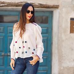 Hoy en el blog un look estrenando una blusa monsima y unos zapatos bordados espectaculares. Tenis todas las fotos y detalles en el blog (enlace directo en mi BIO) Y no os perdis hoy mi stories donde voy a mostraros los detalles de mi asistencia a una G (WOWS_) Tags: fashion beauty moda belleza streetstyle