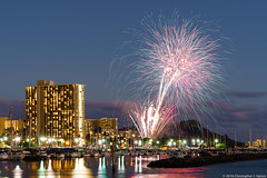 _DSC8694 (Upton's Pics) Tags: fireworks hiltonhawaiianvillage waikikibeach hawaii hi oahu usa