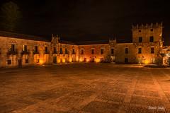 plaza fefiñanes nocturna (NandoLG) Tags: pazo fefiñans fefiñáns plaza nocturna galicia españa spain torre cultural interes cambados nando tanaka