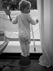 En équilibre (Dahrth) Tags: gf1 gf120 panasoniclumixgf1 lumixmicroquatretiers lumixμ43 micro43 microfourthirds raw bébé baby noiretblanc nb blackandwhite équilibriste equilibrium equilibrist