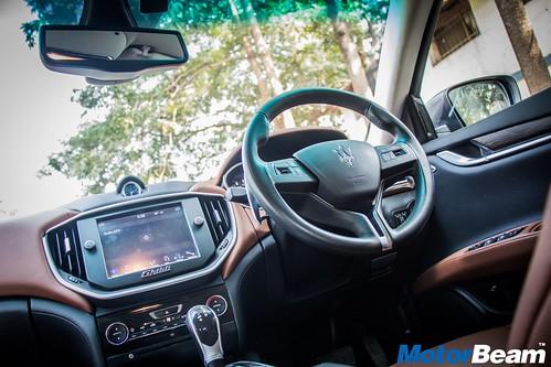2017-Maserati-Ghibli-11