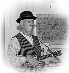 Ukulele Player (Ben Revell) Tags: liverpool projectnoel ukulele ormskirk