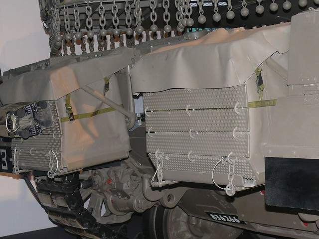 merkava_4_eurosatory_2010_chassis__arriere_droit_detail