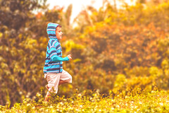 Run boy, run! (Italberto Dantas) Tags: brazil brasil nordeste ceará bosco sítiodobosco canon 60d eos 75300 ef75300 digital photography children criança boy blue bluehood
