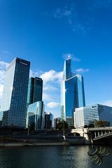 Tours de La Défense (Thierry Poupon) Tags: pontdeneuilly puteaux reflet seine soleil tour bleu brillant ciel first iledeputeaux bright sky iledefrance france fr blue tower businesscenter sun reflect bridge
