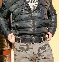 mil14 (armybelt007) Tags: leatherbelt wideleatherbelt armybelt militarybelt crotch bulge malebutt beltfetish beltandjeans officerbelt policebelt camopants camouflage camobomberjacket