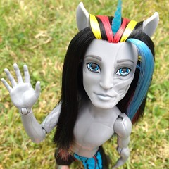 Say yes, say yes, cause I need to know (MyMonsterHighWorld) Tags: rot monster high zombie freaky fusion unicorn mattel 2014 zombicorn neighthan