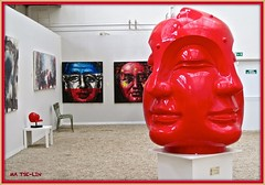 sous le regard de Charles et de Mao (Kay Harpa) Tags: paris artist exposition sculptures peintures jardinduluxembourg bouddhas matselin toutsimplement entregratuite orangeriedusnat pasdequeue matslin 11juillet2014