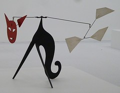 Chicago, Museum of Contemporary Art, Alexander Calder, Cat Stabile (Mary Warren (4.7+ Million Views)) Tags: red sculpture chicago art metal cat museumofcontemporaryart alexandercalder