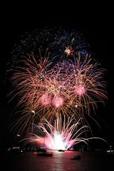 National Firework Championships fw6 (jonsomersphotos) Tags: night fireworks plymouth firework devon rockets championships 2014 srarburst
