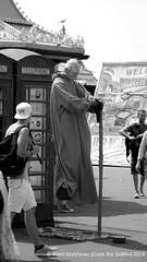 Brighton Street Artist B&W (Gook the Goblin) Tags: city uk greatbritain travel england blackandwhite bw pier seaside nikon brighton europe cityscape yoda streetartist gb lonelyplanet seafront citybreak nikond80 lovelycity travelplanet nigelmatthews gookthegoblin