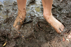 Muddy Piggies (Pete Glogiewicz) Tags: feet kids fun play mud dirty dirt filth conkers