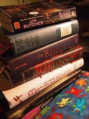 P9023571 (caligula1995) Tags: reading books tbr