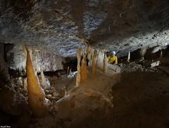 Chris dans la Grotte de La Pouge Blanche - Saraz (francky25) Tags: chris de la blanche franchecomté dans grotte doubs saraz pouge